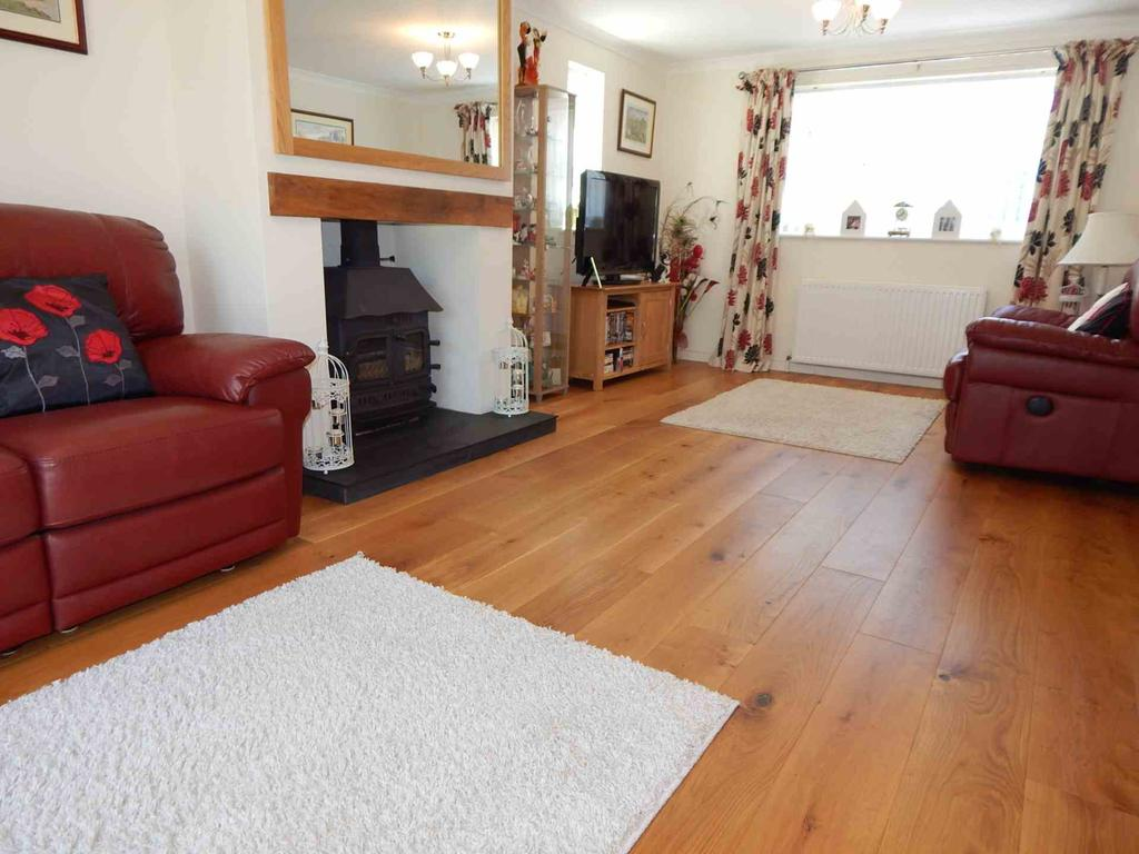 4 Bedrooms Detached House for sale in Applefield Road, Drimpton, Beaminster