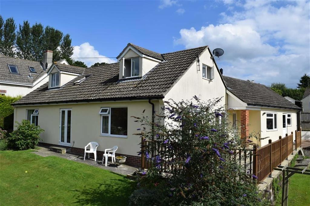 4 Bedrooms Bungalow for sale in Gate Close, Hawkchurch, Devon, EX13