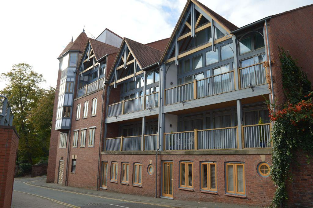 3 Bedrooms Apartment Flat for sale in Foregate Street, Chester,