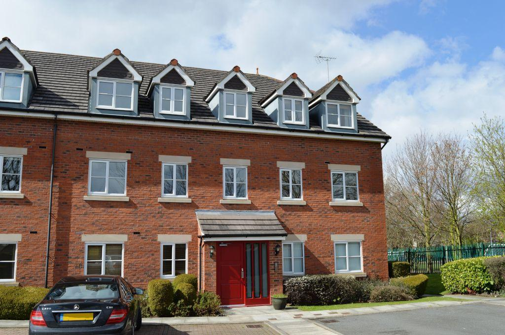 2 Bedrooms Apartment Flat for sale in Wycliffe Court, Chester,
