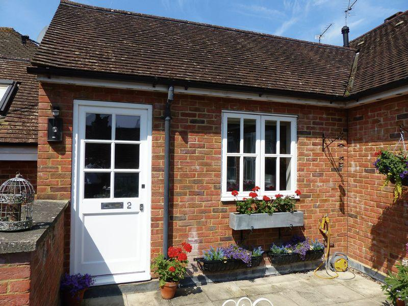 2 Bedrooms Apartment Flat for sale in Cookham Village - High Street
