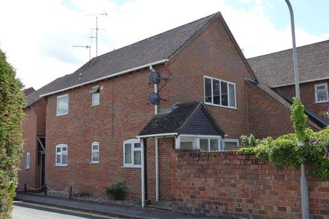 2 bedroom apartment to rent - CENTRAL MARLOW - With Parking