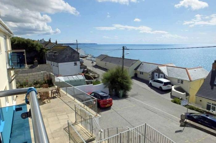 3 Bedrooms Flat for sale in LOVEDAY, LOE BAR APARTMENTS, PORTHLEVEN, TR13