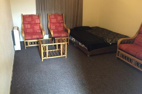 Studio to rent - Marvic Court 2 Birch Hall Lane,  Manchester, M13