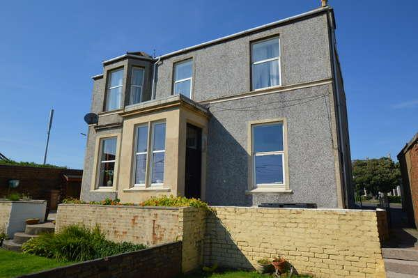 3 Bedrooms Flat for sale in 3A Canal Street, Saltcoats, KA21 5HY