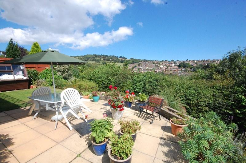 4 Bedrooms Detached House for sale in Valley Close, TEIGNMOUTH