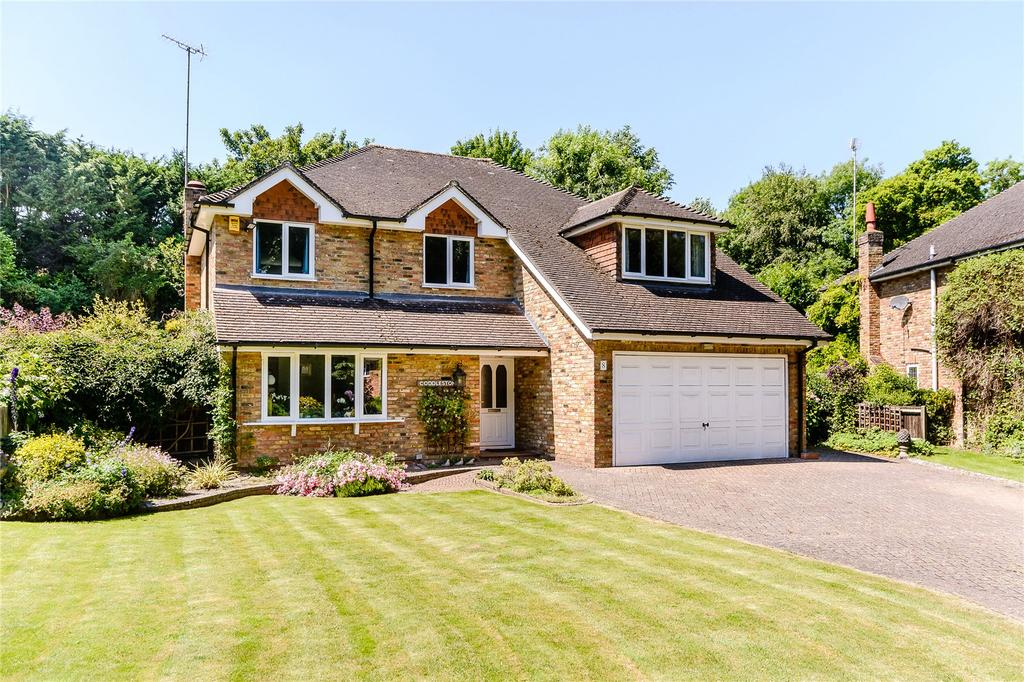4 Bedrooms Detached House for sale in Russett Hill, Chalfont St Peter, Buckinghamshire
