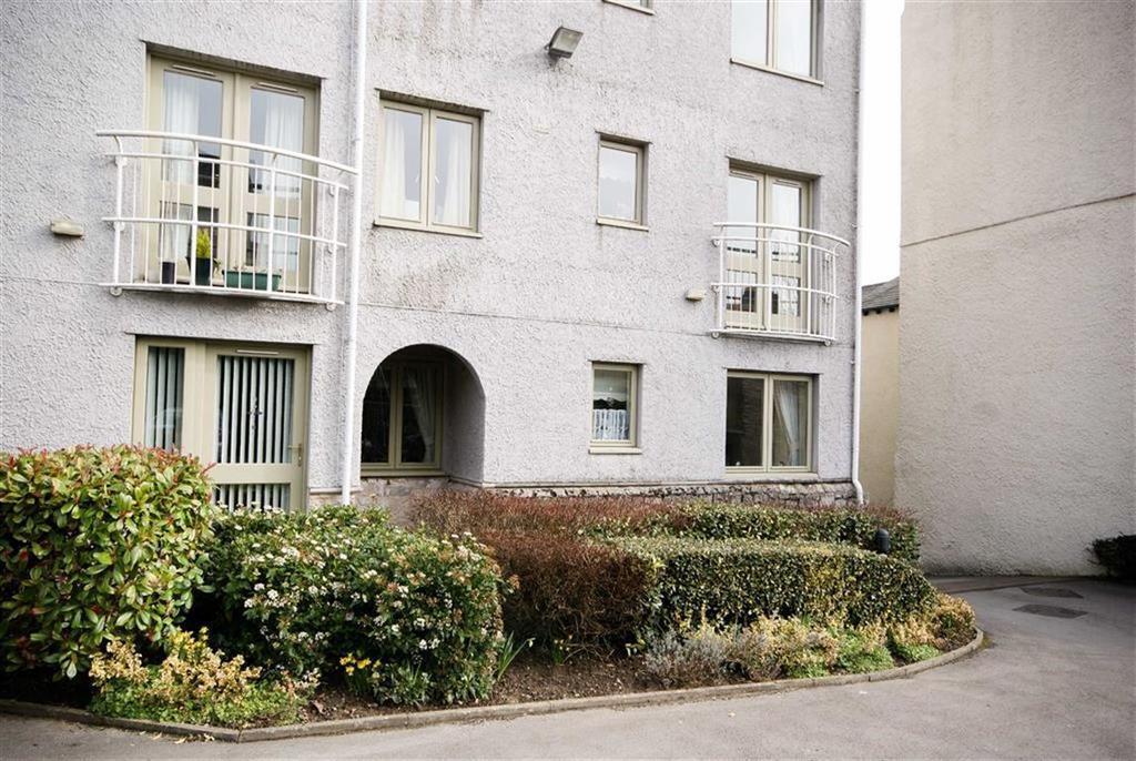 1 Bedroom Retirement Property for sale in Flat 10, Blackhall Croft, Kendal