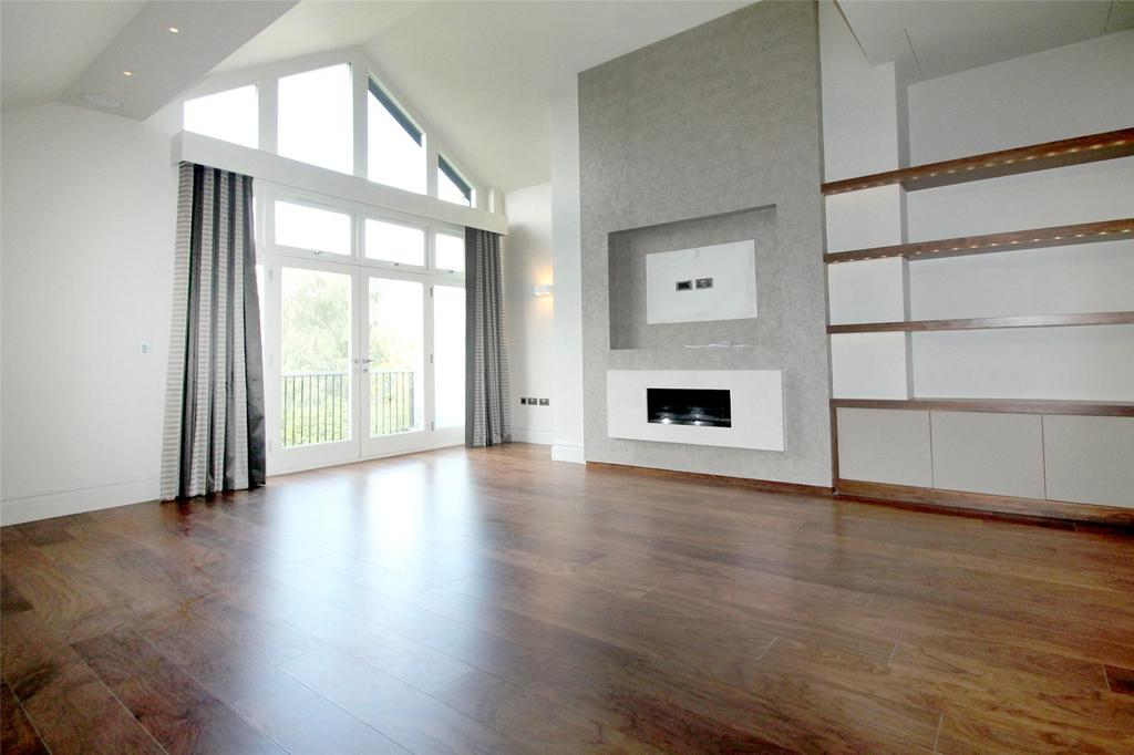 3 Bedrooms Penthouse Flat for sale in Broad Lane, Hale, Cheshire, WA15