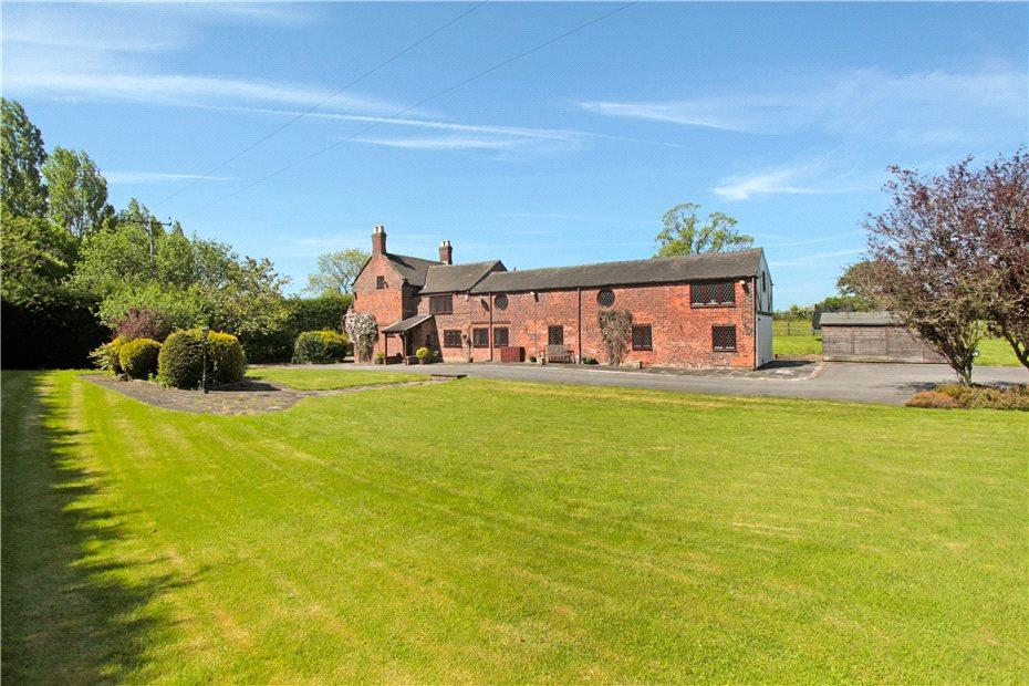 6 Bedrooms Detached House for sale in Buxton Road, Congleton, Cheshire, CW12