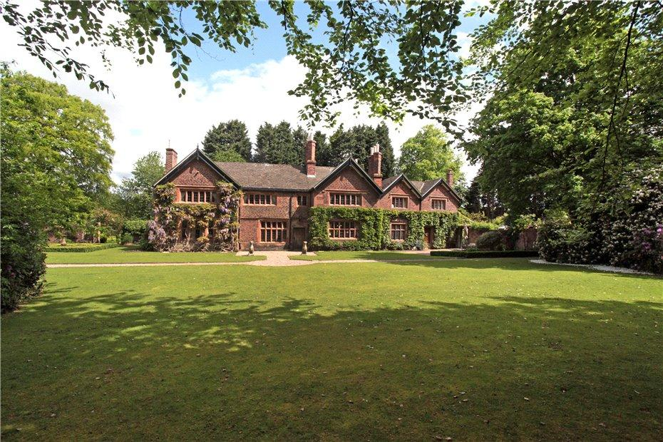 5 Bedrooms Detached House for sale in Delph Lane, Houghton Green, Warrington, Cheshire, WA2