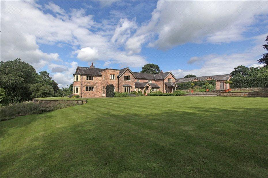 5 Bedrooms Detached House for sale in Fanshawe Lane, Henbury, Cheshire, SK11