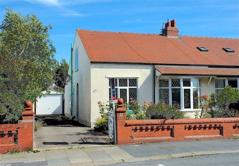 3 Bedrooms Semi Detached Bungalow for sale in George Avenue, Marton, Blackpool
