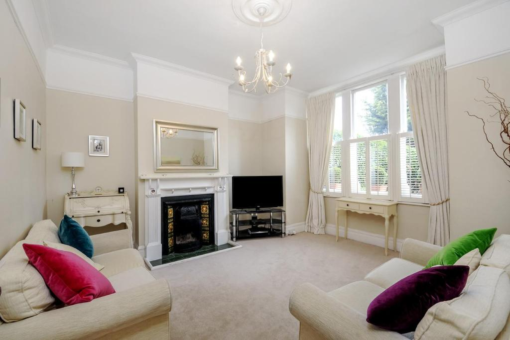 4 Bedrooms Terraced House for sale in Knights Hill, West Norwood, SE27