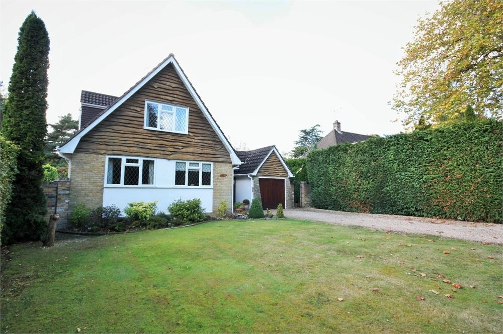 3 Bedrooms Detached House for sale in Hutton Mount, BRENTWOOD, Essex