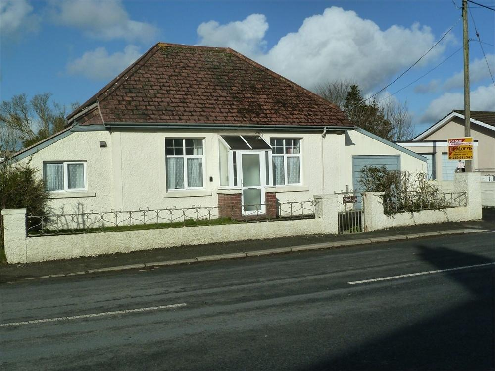 3 Bedrooms Detached Bungalow for sale in Glaslwyn, Boncath, Pembrokeshire, Pembrokeshire