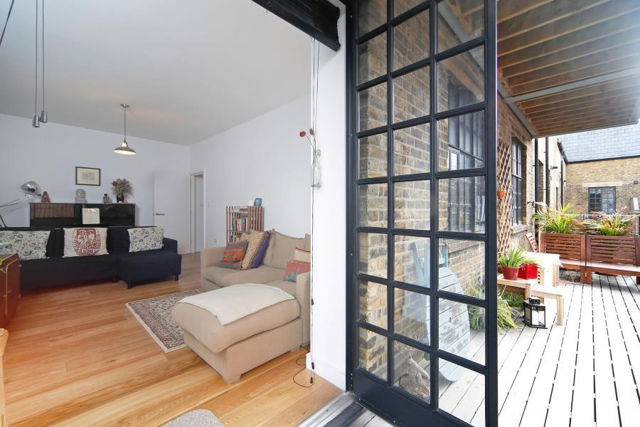 Workhouse Lofts, Fieldgate Mews, E1 3 bed apartment - £850,000