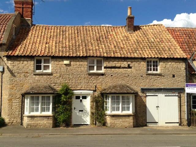 4 Bedrooms Semi Detached House for sale in High Street, Swinstead