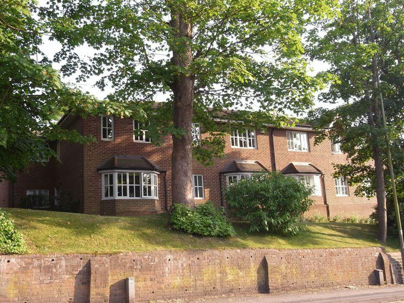 2 Bedrooms Apartment Flat for sale in Sydney Road, Guildford