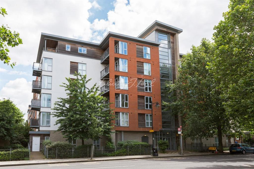 1 Bedroom Flat for sale in Heathfield Court, E3