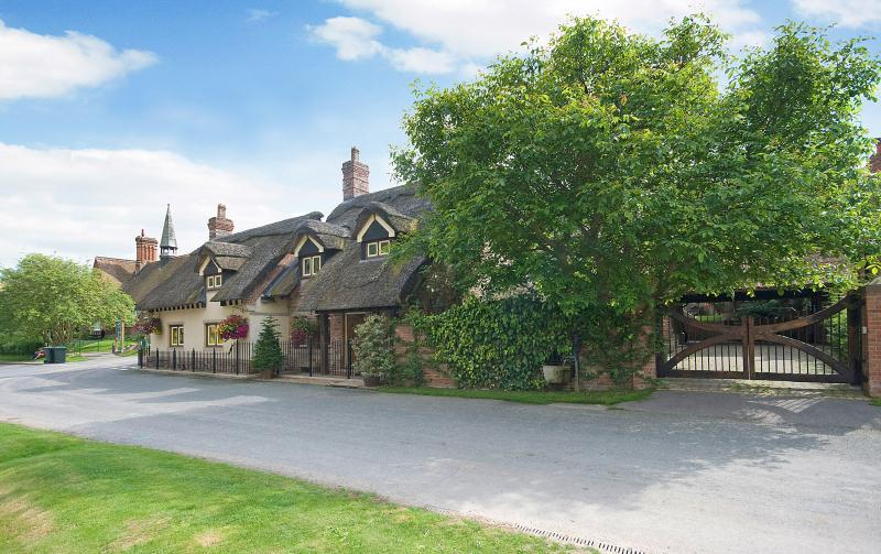 4 Bedrooms Detached House for sale in Thixendale, Yorkshire Wolds, YO17