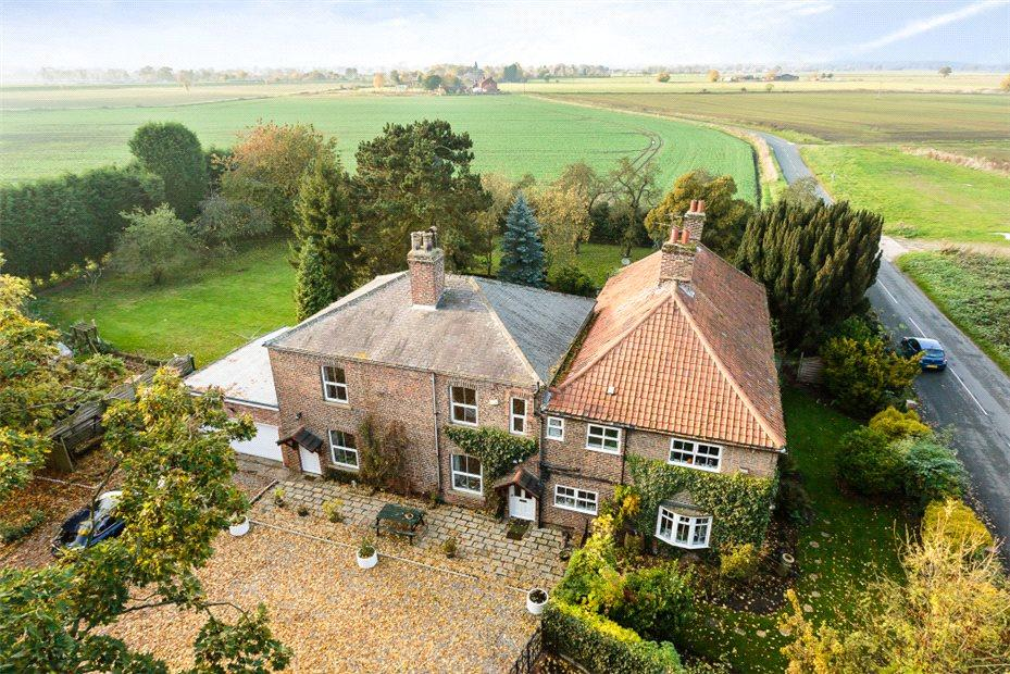 7 Bedrooms Detached House for sale in Hirst Road, Chapel Haddlesey, Near Selby, North Yorkshire, YO8