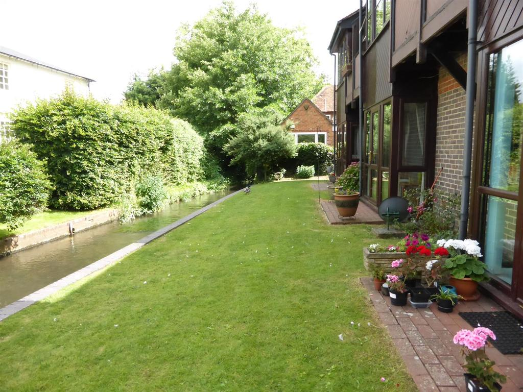 1 Bedroom Apartment Flat for sale in Station Road, Pangbourne, Reading