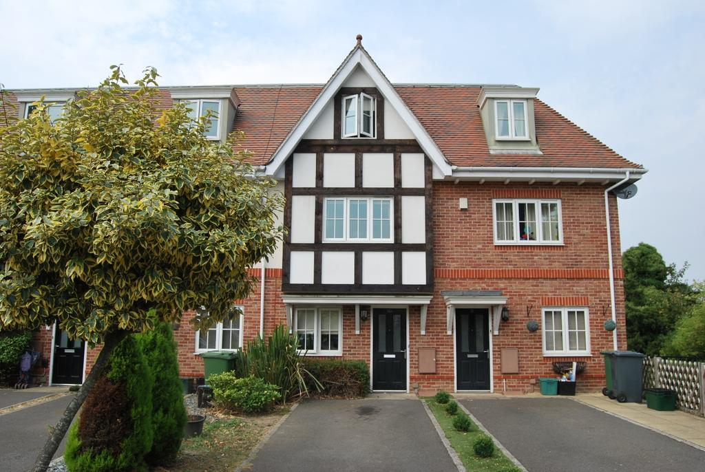 4 Bedrooms Town House for sale in Kingswood Road Shortlands BR2