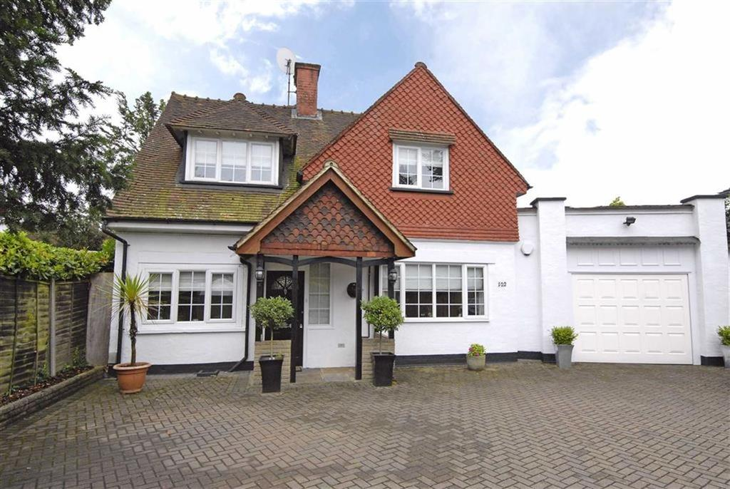 5 Bedrooms Detached House for sale in Plaistow Lane, Bromley, Kent