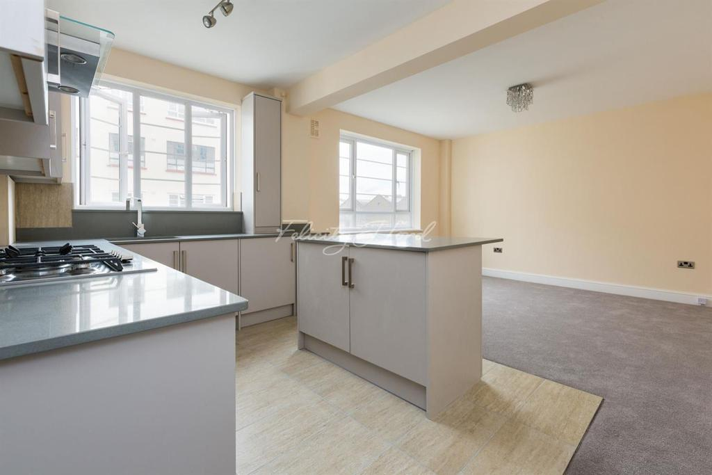 1 Bedroom Flat for sale in Beaumont Court, Upper Clapton Road, E5