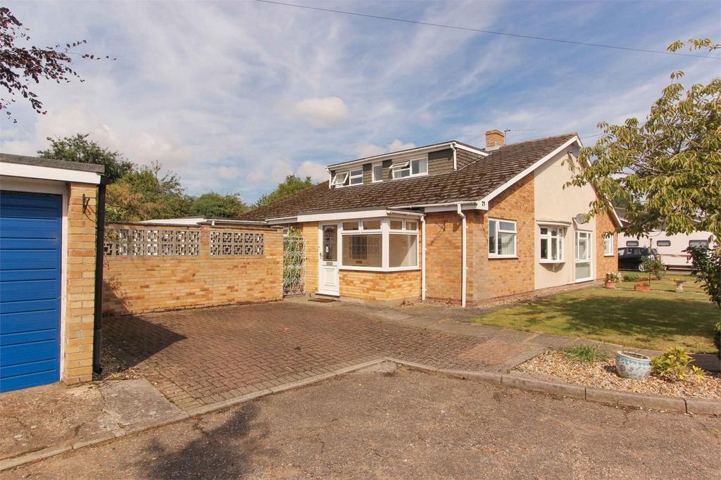 4 Bedrooms Semi Detached Bungalow for sale in Croft Green, Attleborough, Norfolk