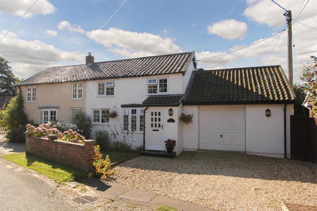3 Bedrooms Cottage House for sale in Fen Street, Old Buckenham, Norfolk