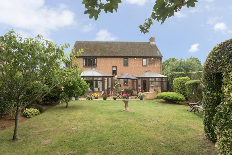 4 Bedrooms Detached House for sale in Twyford Fields, Adderbury, Banbury