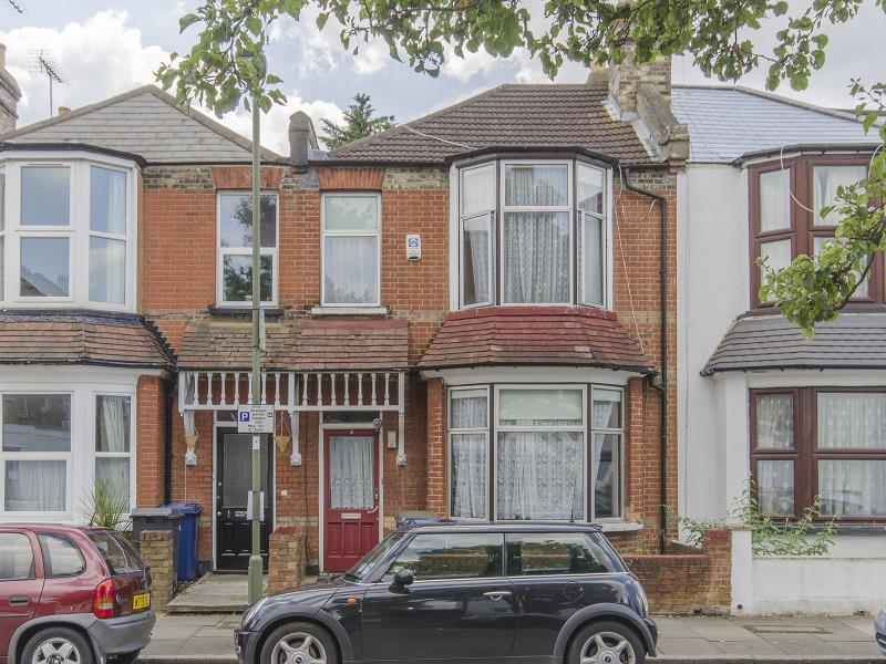 4 Bedrooms Terraced House for sale in Beresford Road, N2