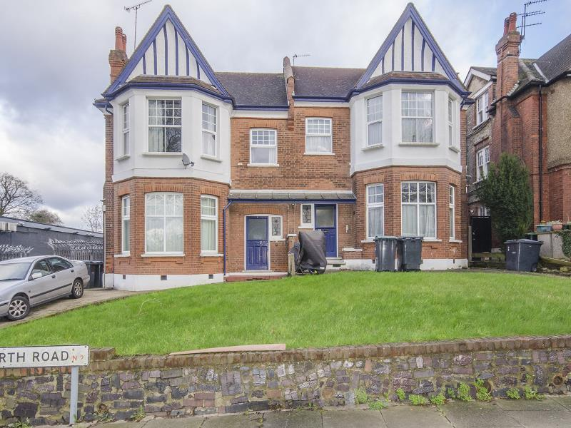 5 Bedrooms Semi Detached House for sale in Great North Road, N2