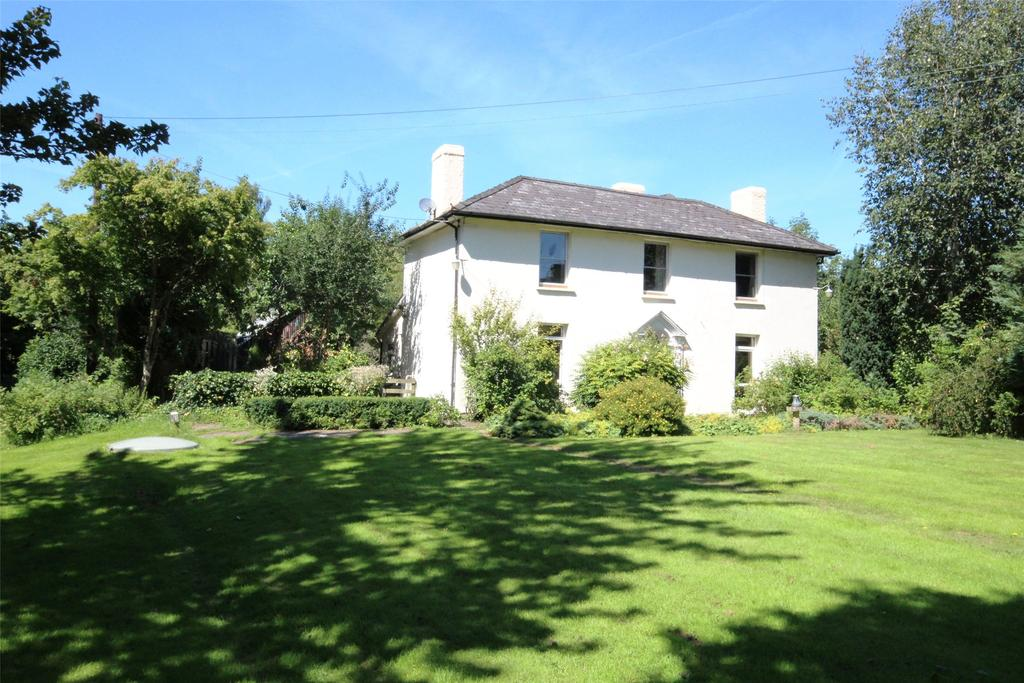 5 Bedrooms Detached House for sale in Lower Chapel, Brecon, Powys