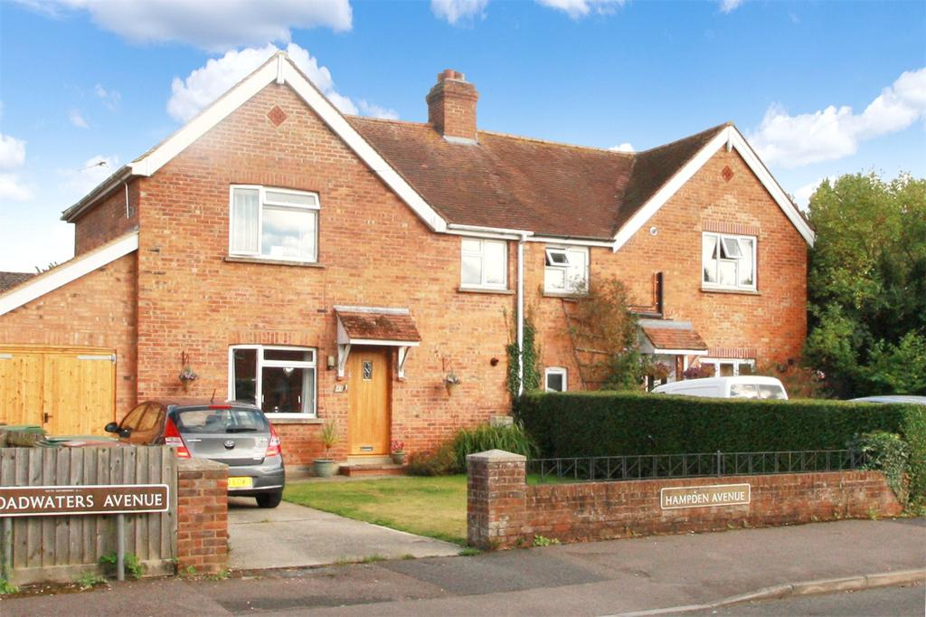 3 Bedrooms Semi Detached House for sale in Hampden Avenue, Thame, Oxfordshire, OX9