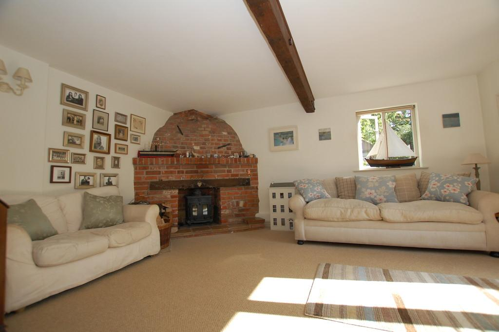3 Bedrooms Barn Conversion Character Property for sale in The Street, Erpingham