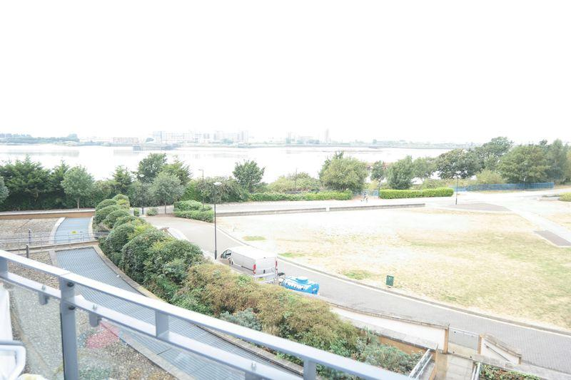 2 Bedrooms Apartment Flat for sale in Tideslea Path, West Thamesmead, SE28 0LY