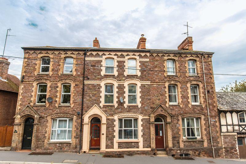 6 Bedrooms Terraced House for sale in Union Road, Crediton