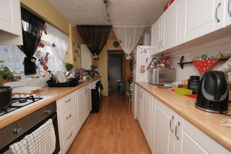 2 Bedrooms Terraced House for sale in Esher Street, TS1 3EN