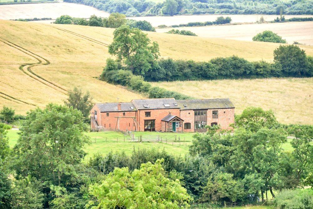7 Bedrooms Barn Conversion Character Property for sale in Moor Hill, Hallaton, Leicestershire