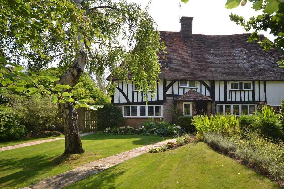 4 Bedrooms Semi Detached House for sale in Horsmonden, TN12