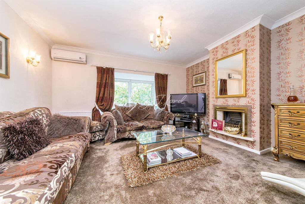 4 Bedrooms Semi Detached House for sale in Barnfield Place, Canary Wharf, E14