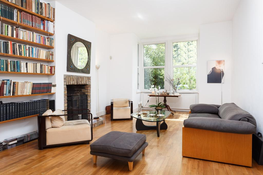 4 Bedrooms Semi Detached House for sale in East Churchfield Road, Acton, London, W3