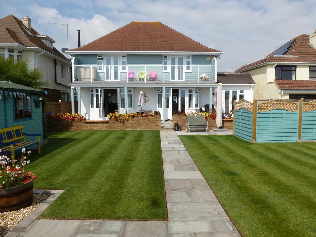 3 Bedrooms Detached House for sale in Davenport Road, Felpham Beach Estate, Felpham, Bognor Regis PO22