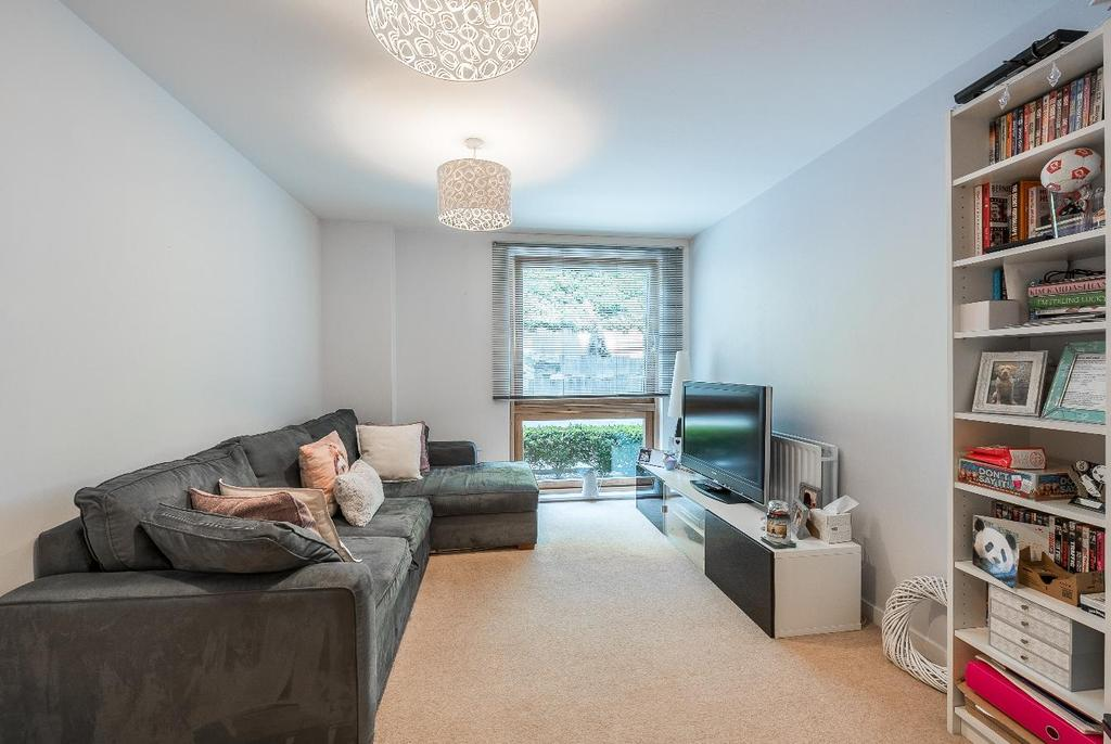 1 Bedroom Apartment Flat for sale in WINGATE SQUARE, SW4