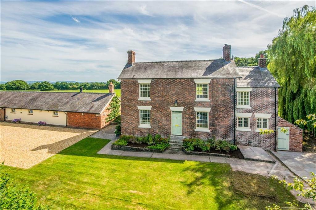 4 Bedrooms Detached House for sale in Golly, Rossett, Wrexham, Rossett