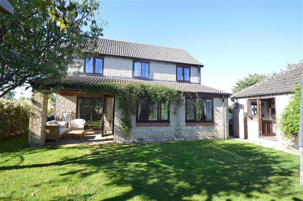 4 Bedrooms Detached House for sale in Gardners Drive, Chippenham, Wiltshire