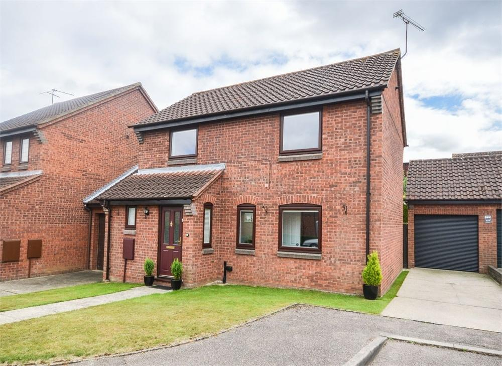 3 Bedrooms Detached House for sale in Winchester Close, BISHOP'S STORTFORD, Hertfordshire